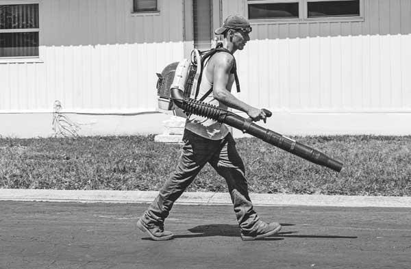 Gardening tools leaf blower gardener